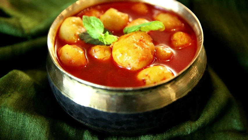 Kashmiri Dum Aloo Recipe | Authentic Dum Aloo Recipe | Masala Trails With Smita Deo