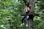 VIDEO. Parcours de tyroliennes dans les arbres de Chantemerle (79)