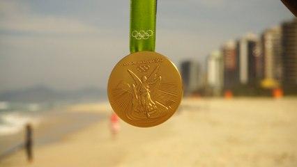 """ESCRIME """"Des athlètes au coeur d'or et la favela à la plage."""""""