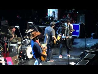 Hollis Brown - John Wayne (live with Immy of the Counting Crows)