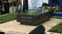 Israele, inaugurata la lapida sulla tomba di Shimon Peres