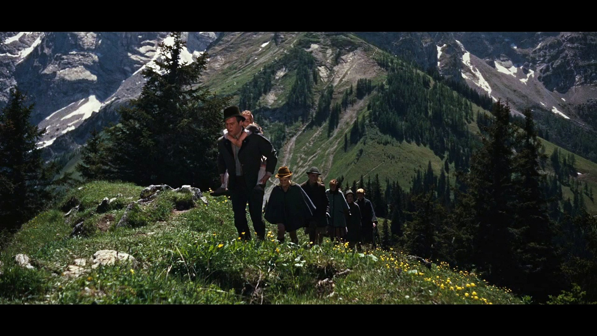 Cast of The Sound Of Music - Climb Every Mountain (reprise) & Credits [Video]