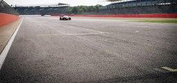 """La """"DevBot"""" entre en piste - Voiture de course autonome sans pilote"""