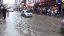 Zonguldak'ta Sağanak Yağmur Nedeniyle İş Yerlerini Su Bastı