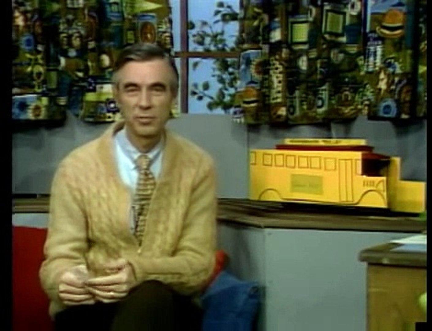 Mister Rogers Goes to School - Mister Rogers' Neighborhood