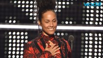 Alicia Keys Hits VMAs Without Makeup