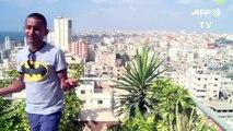 Adel Mechoukhi chante les chats et la lessive contre la déprime