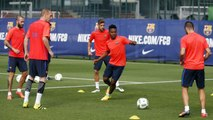 FC Barcelona training session: First team, Barça work out as one