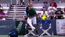 Nick Kyrgios éclate trois raquettes en dix secondes !