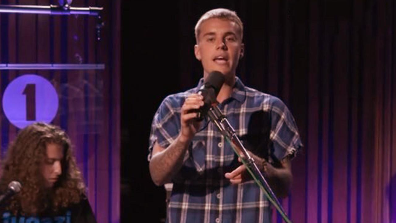 Justin Bieber Forgets Cold Water Lyrics During  BBC Live Radio Performance