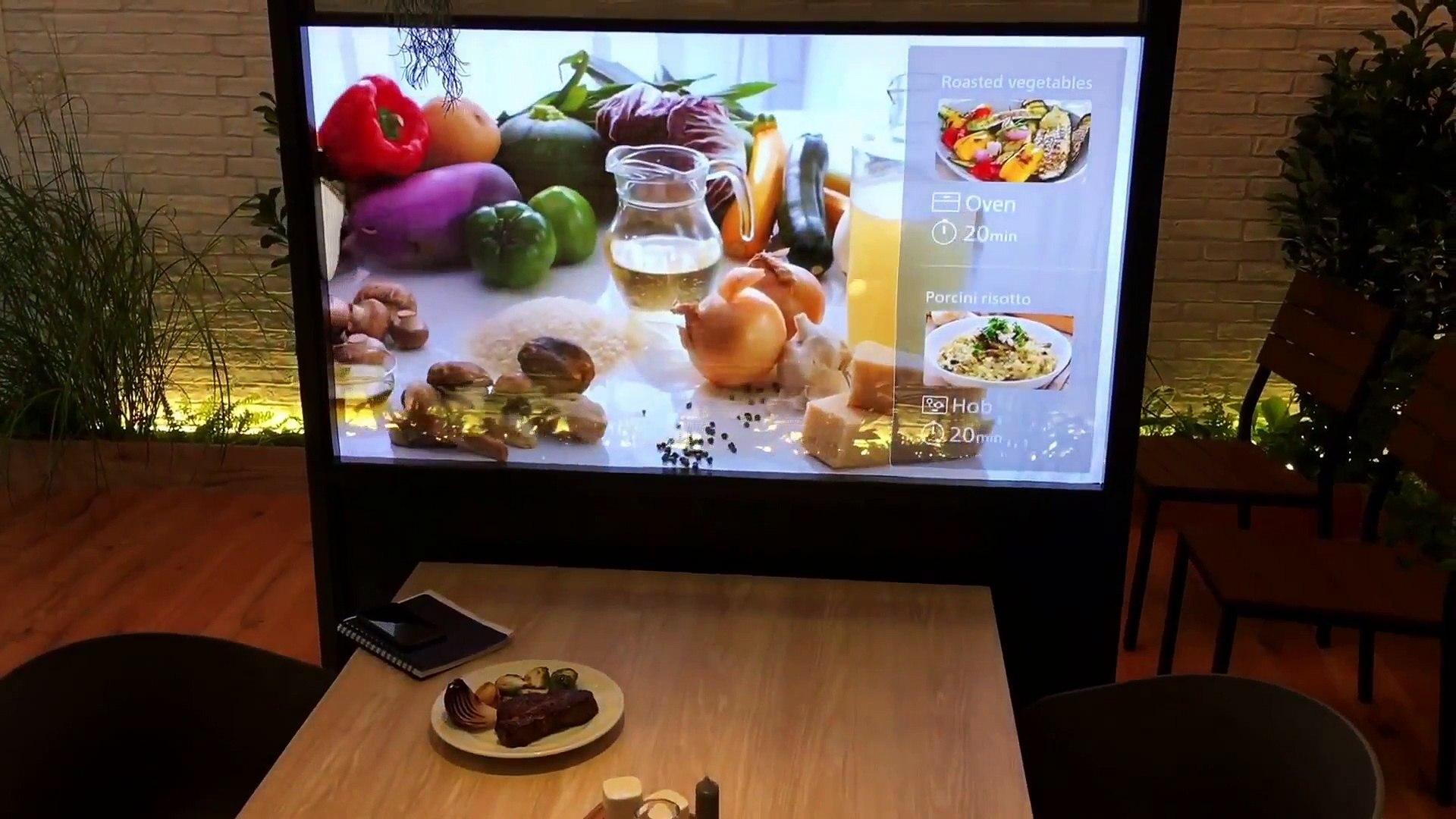 Panasonic présente les écrans transparents du futur
