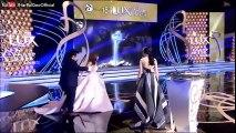 Hamza Ali Abbasi & Mahira Khan won Best Dressed Couple Award at Lux Style Awards 2016