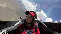 Desmayo de niño en pleno vuelo es viral en YouTube