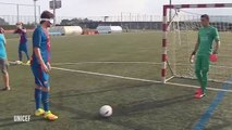 Les joueurs du FC Barça affrontent l'équipe handisport de Cecifoot (déficients visuels)