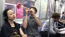 Une astuce pas cher pour dormir dans le métro