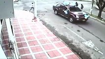 FREAK ACCIDENT!!! Two COLOMBIAN Men Are KILLED While Crossing The Street . . . If Only They Didn't HESITATE . . . They W