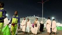 قرابة مليوني مسلم يقفون في عرفة لاداء الركن الاعظم من مناسك الحج
