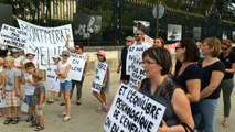 Les parents d'élèves de Montmirail manifestent