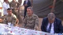 Karkamış Başbakan Yardımcısı Veysi Kaynak ile Komutanlar Suriye Sınırında -2