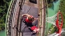 Les Dunking Devils enchaînent les dunks sur un train en mouvement !