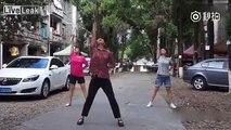 Incroyable démonstration de nunchaku par cette villageoise chinoise