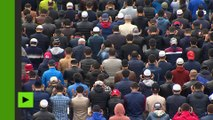 Célébrations de l'Aïd el-Kebir près de la grande mosquée à Moscou