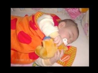 Ninni - E Bebeğim E - Dandini Dastana