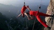 Ils dansent sur une montagne en Chine
