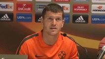 Steaua Bükreş Teknik Direktörü Reghecampf Grup İkinciliği İçin Yarın Önemli Bir Maça Çıkacağız