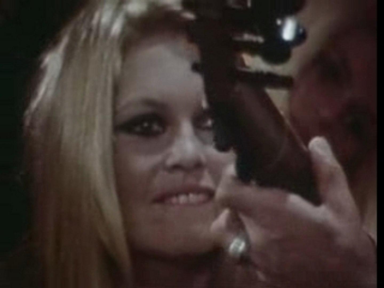 Clip Brigitte Bardot - Soire Flamenco chez B.B. (Avec Manita