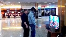 Шутник и Oculus Rift \ Oculus Rift Prank