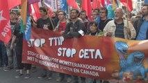 6.000 personnes à Bruxelles pour protester contre les traités transatlantiques