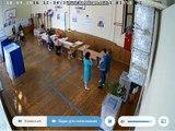 Gros bourrage d'urnes aux élections russes ! Pris en FLAG