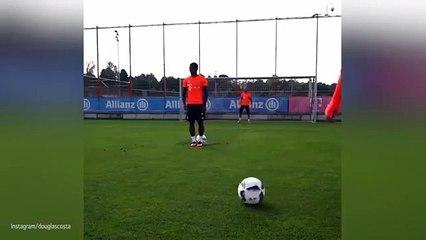 Le penalty de Douglas Costa à l'entrainement !