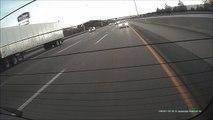 Un camion explose 6 voitures sur l'autoroute ! Accident Semi-Remorque