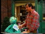 Sesame Street - Luis Loses His Glasses