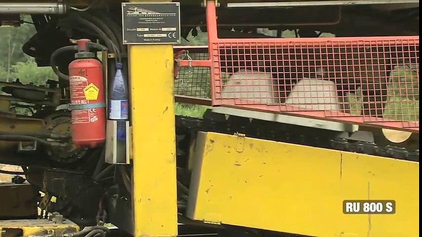 Bạn biết chưa? - Kinh ngạc với cỗ máy khổng lồ dùng để làm đường ray | Godialy.com