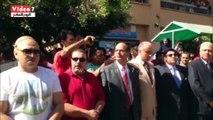 بالفيديو.. وزير التعليم العالى يحضر تحية العلم بجامعة بنها وسط الطلاب