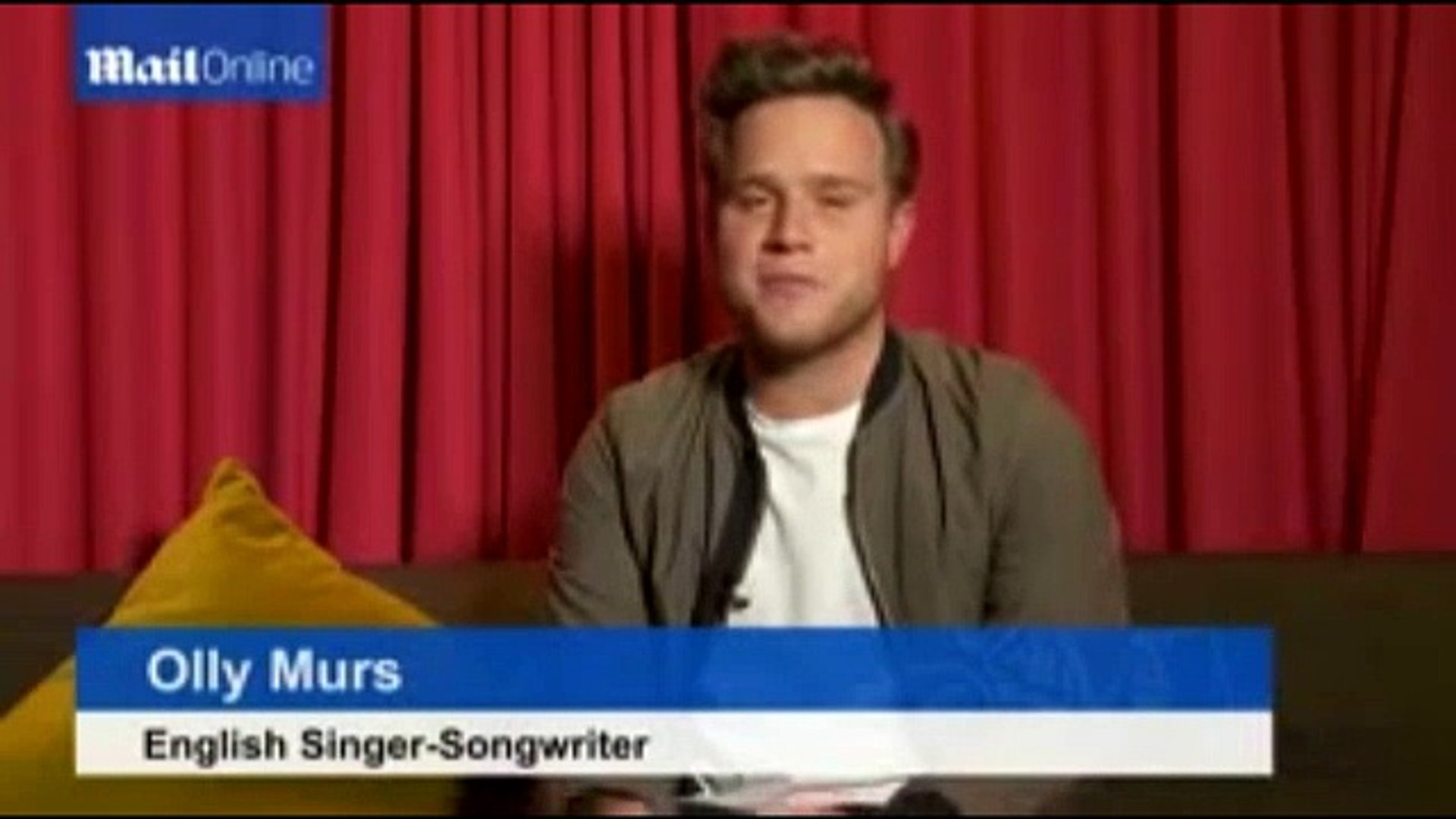 Olly Murs says sorry to Taylor Swift over songwriting comments