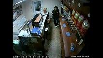 Esto fue lo que pasó cuando un ladrón intentó robar con una AK-47 a una mujer