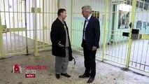 Bernard de la Villardière sur le tournage de l'émission Dossier Tabou à Sevran
