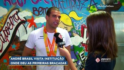 De volta às origens, André Brasil visita escola onde começou na natação