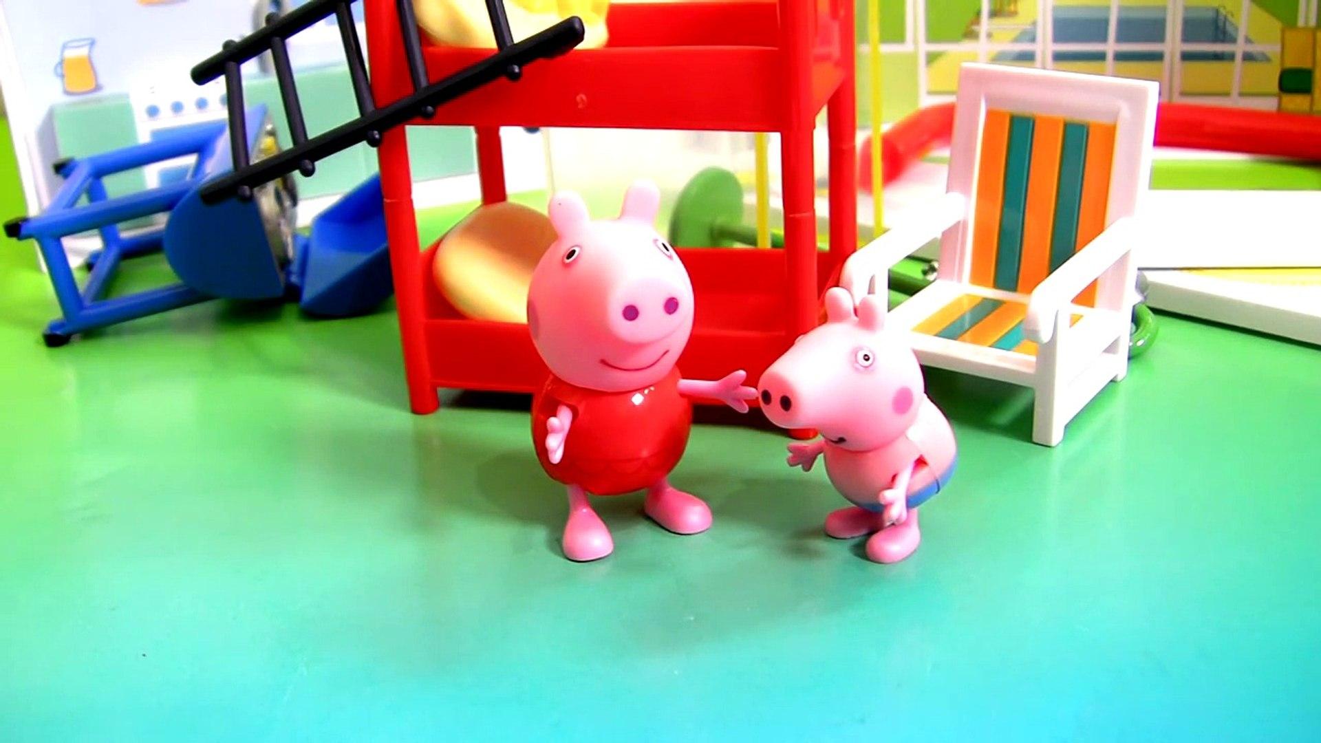 NEW Peppa Pig Holiday Sunshine Villa Playset new Casa de Vacaciones y Vacanze by Disney Collector
