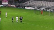 Football : l'incroyable triple arrêt du gardien de Vannes