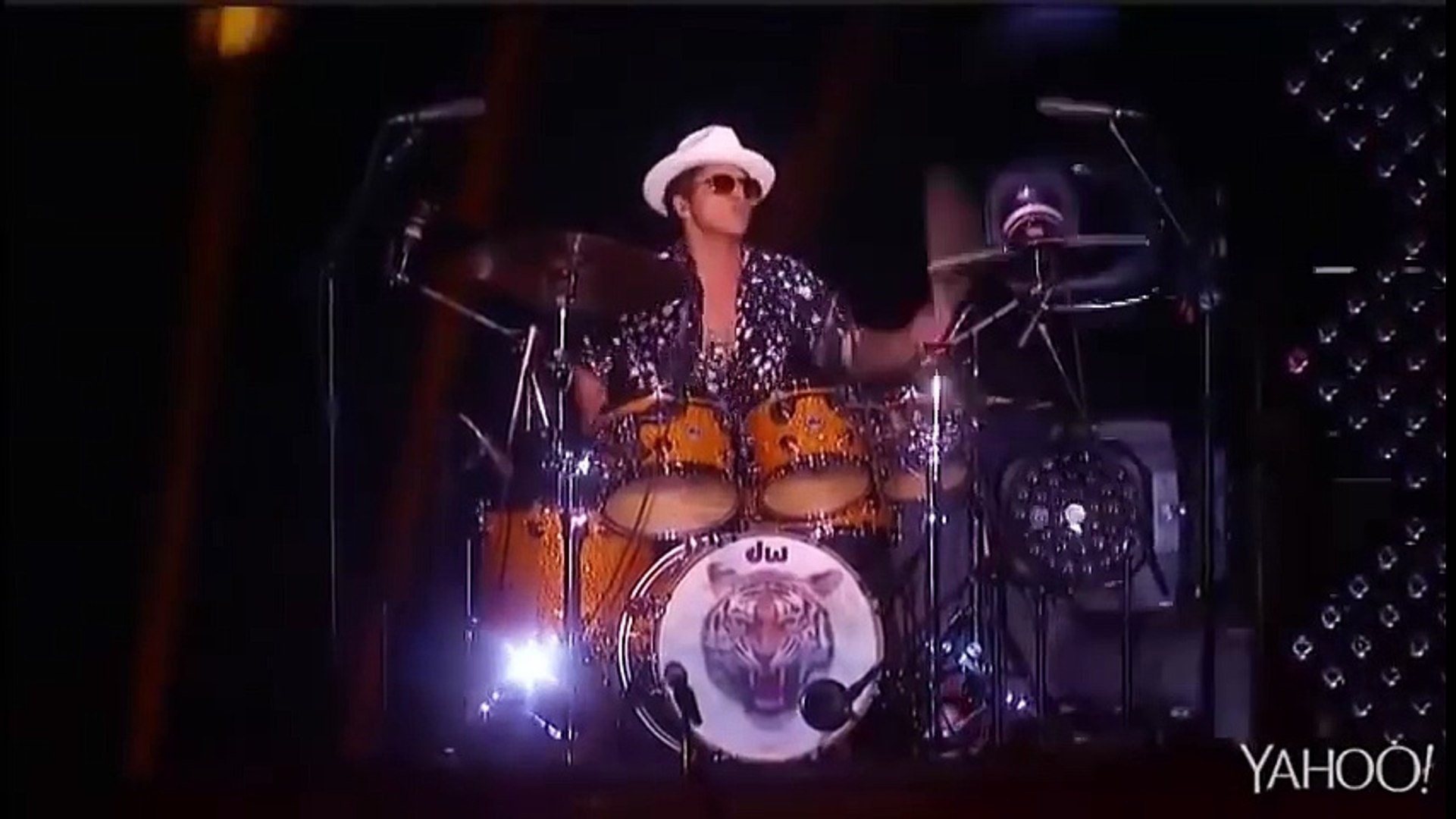 Bruno Mars Vivo Rock In Rio 2015  Locked out of Heaven HD
