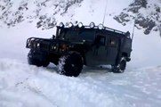 HUMMER H1 playing in snow Armenian HUMMER Армянский