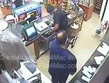 Un braqueur se fait tirer dessus en pleine action par un commerçant