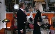 """Extrait de """"Le Grand blond avec une chaussure noire"""", avec Mireille Darc"""
