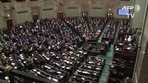 Pologne: la mobilisation des femmes fait plier les conservateurs