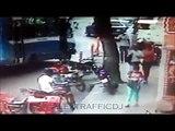 Cámara de seguridad captó cómo roban las motos en Catia